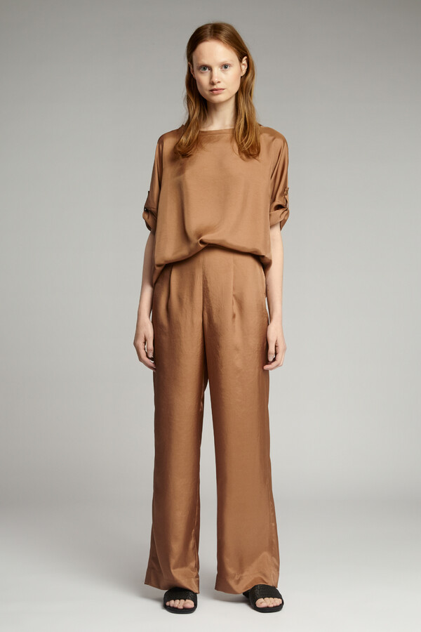LOOSE FIT SILKY PANTS CARAMEL